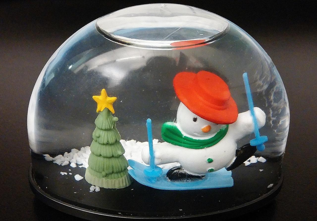 snow-globe-239988_1280