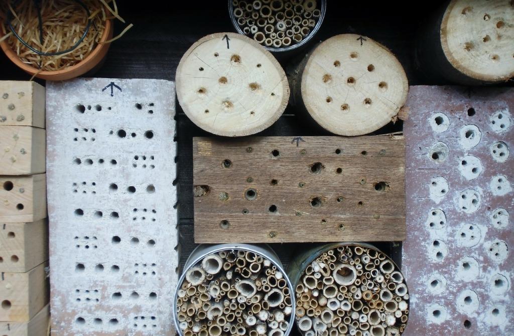 Jednoduše se dají navrtat i cihly a polena.