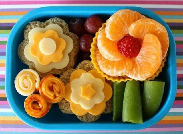 3 2a Gorgeous-diy-healthy-snack-box-for-your-kids
