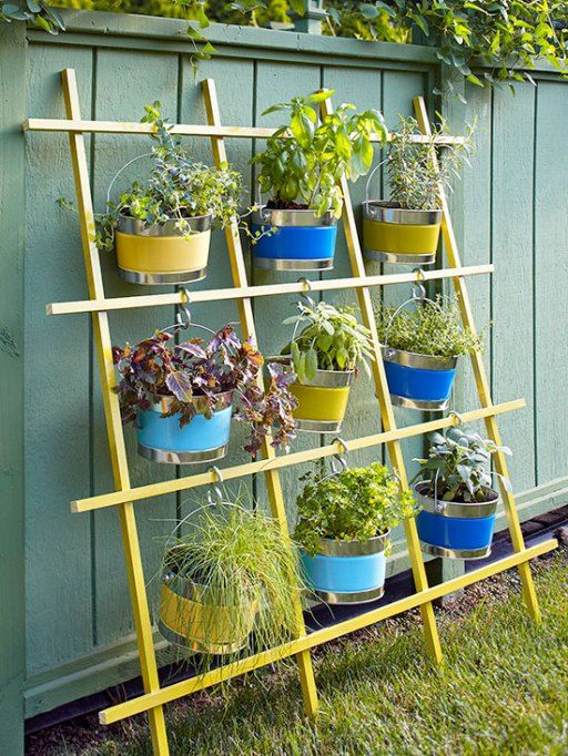 14 AD-Creative-DIY-Vertical-Gardens-For-Your-Home-21