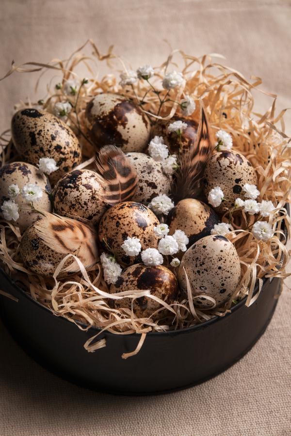 prirodni-velikonocni-dekorace-vajicka