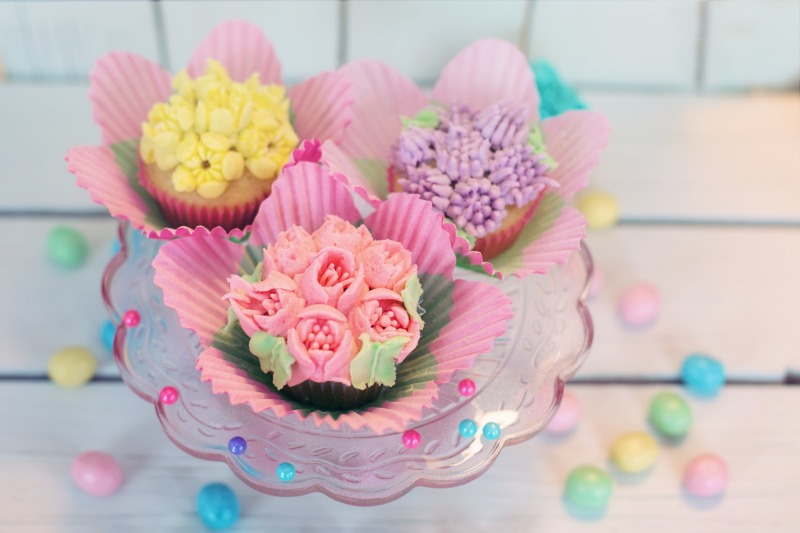 cupcakes-2209474_1920
