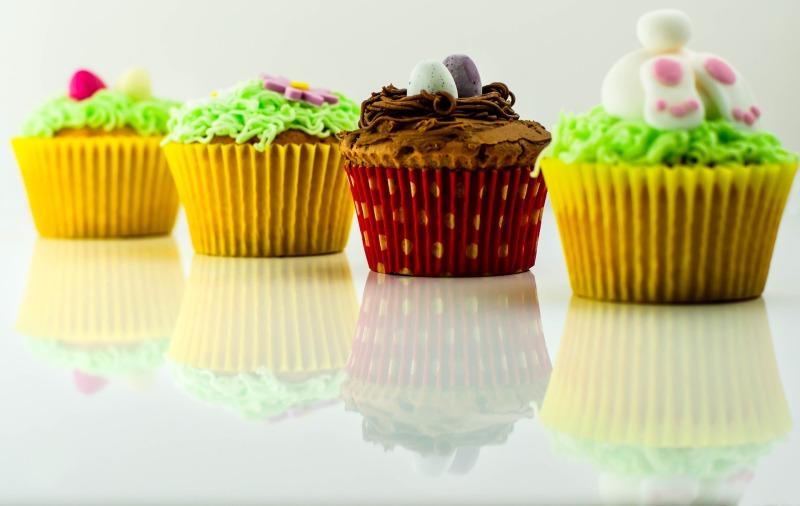 cupcakes-807288_1920